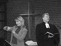 Dolmetscherin in der Kirche